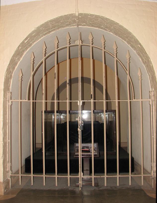 Tomb for Washington